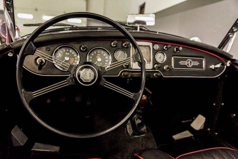 1962 MG MGA MKII ROADSTER 17