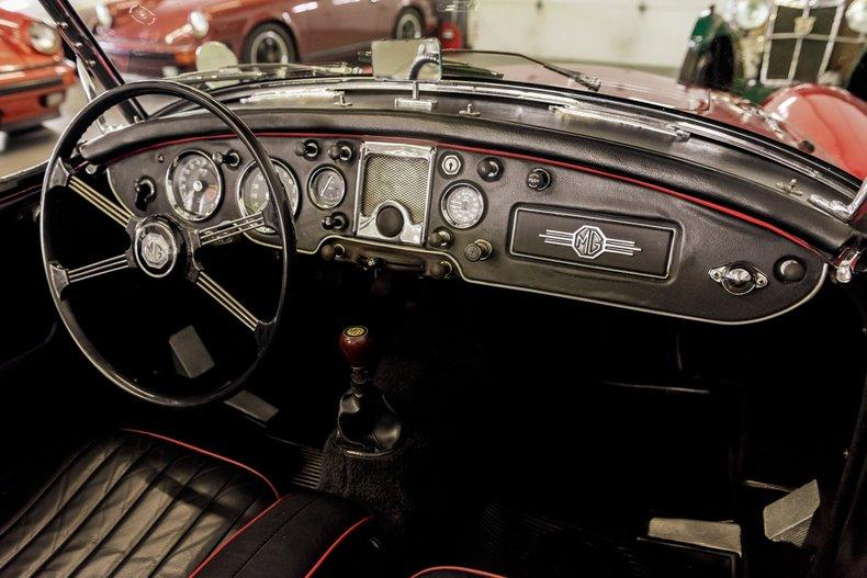 1962 MG MGA MKII ROADSTER 18