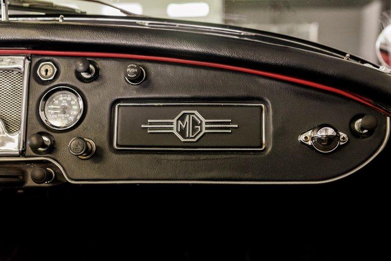 1962 MG MGA MKII ROADSTER 19