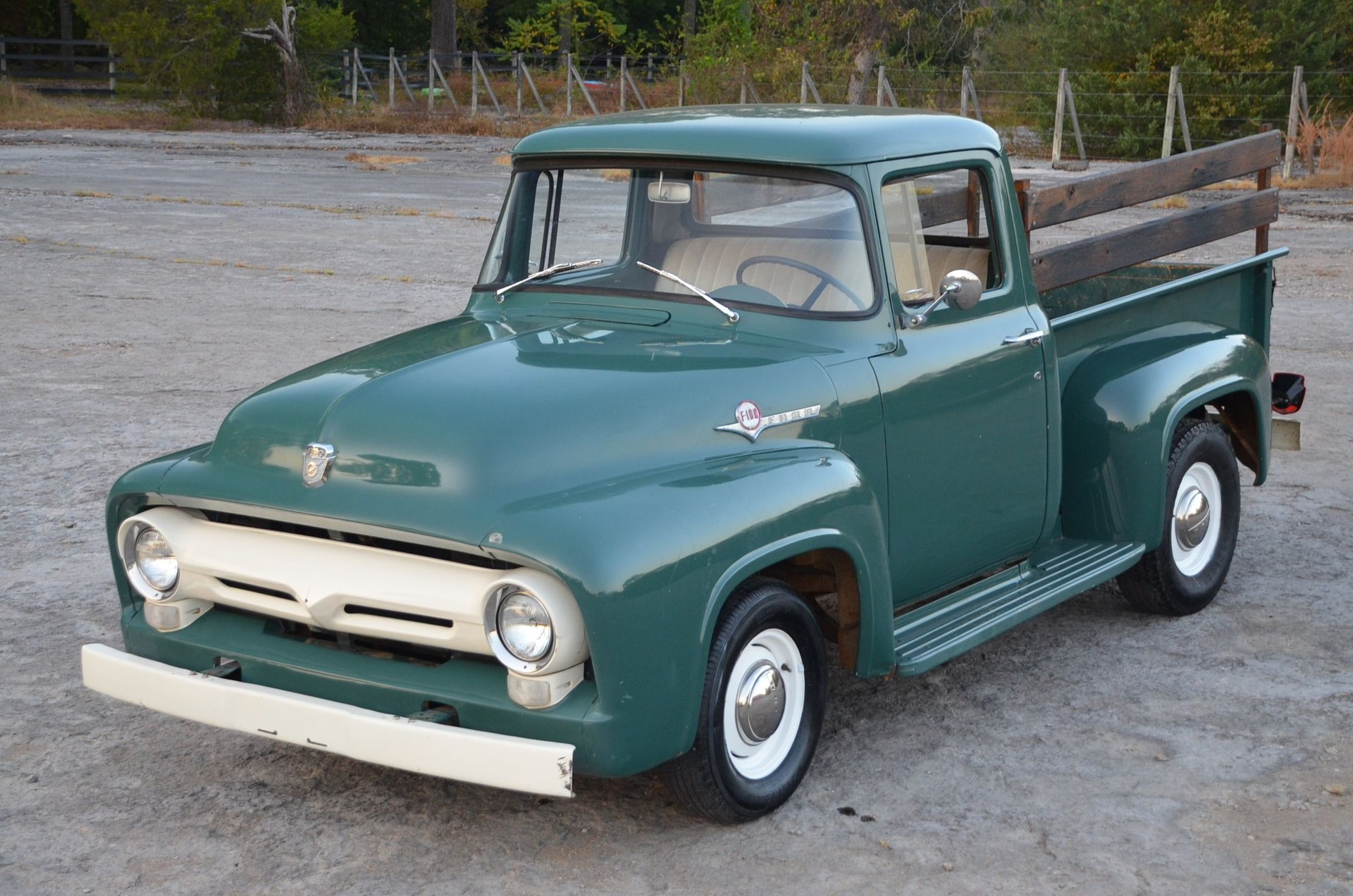 This image has an empty alt attribute; its file name is 1956-ford-f100