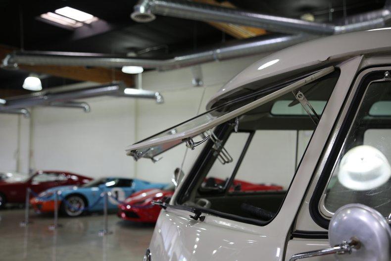 1963 Volkswagen 23 Window Samba Bus