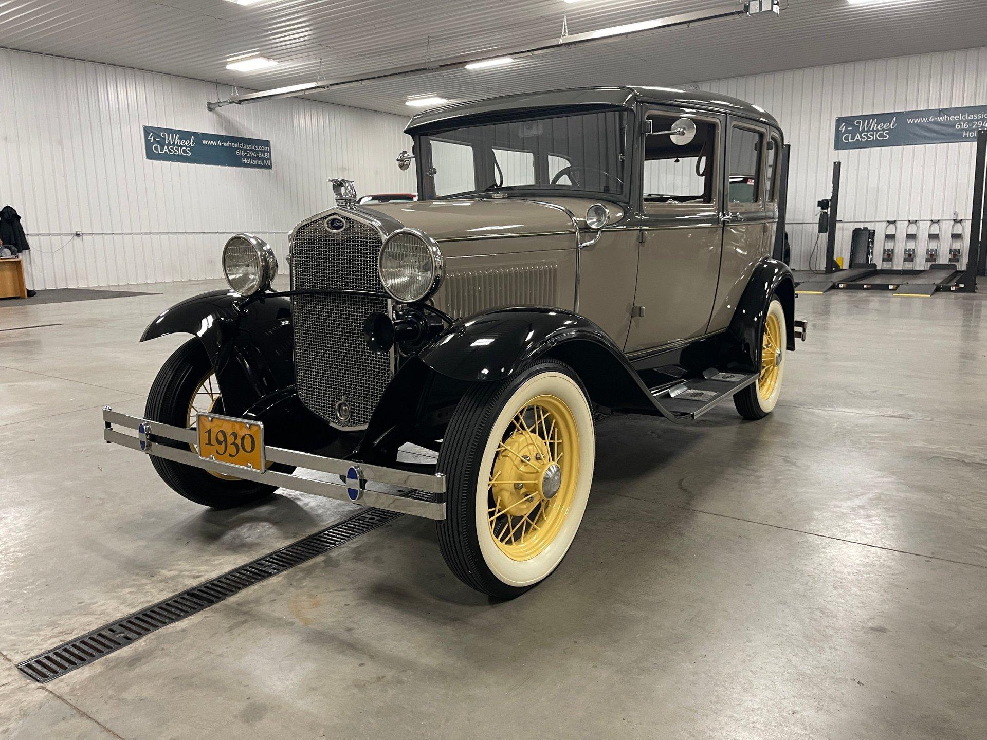 1930 ford model a fordor town sedan