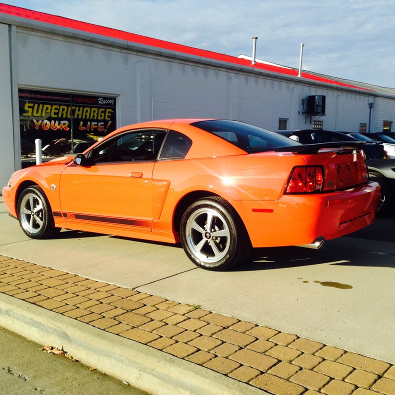 2004 ford mustang mach1