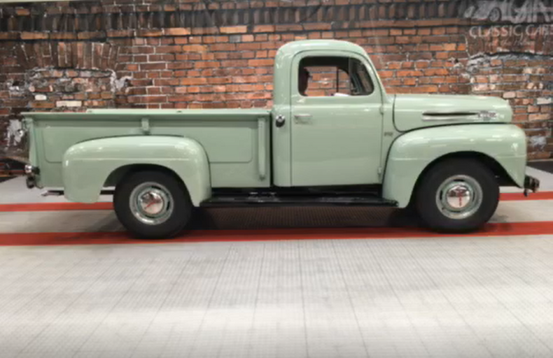 1948 Ford F2