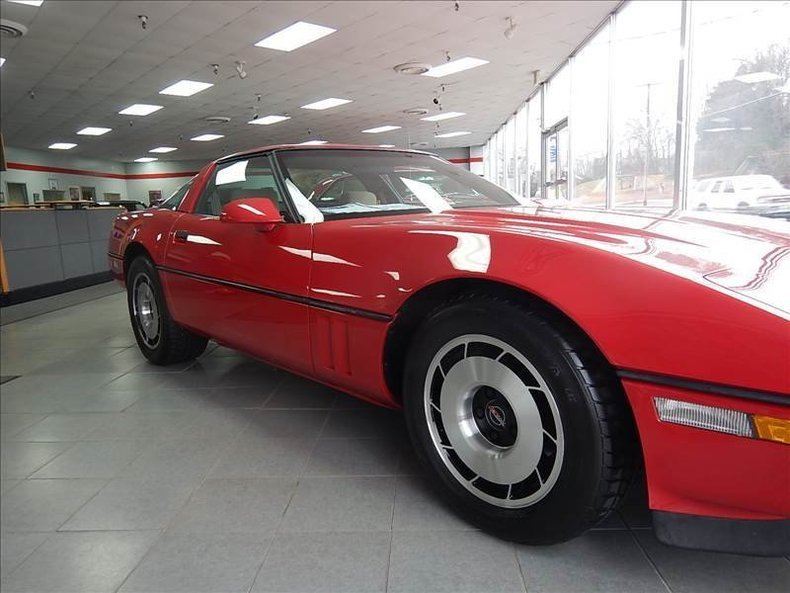 1984 chevrolet corvette base
