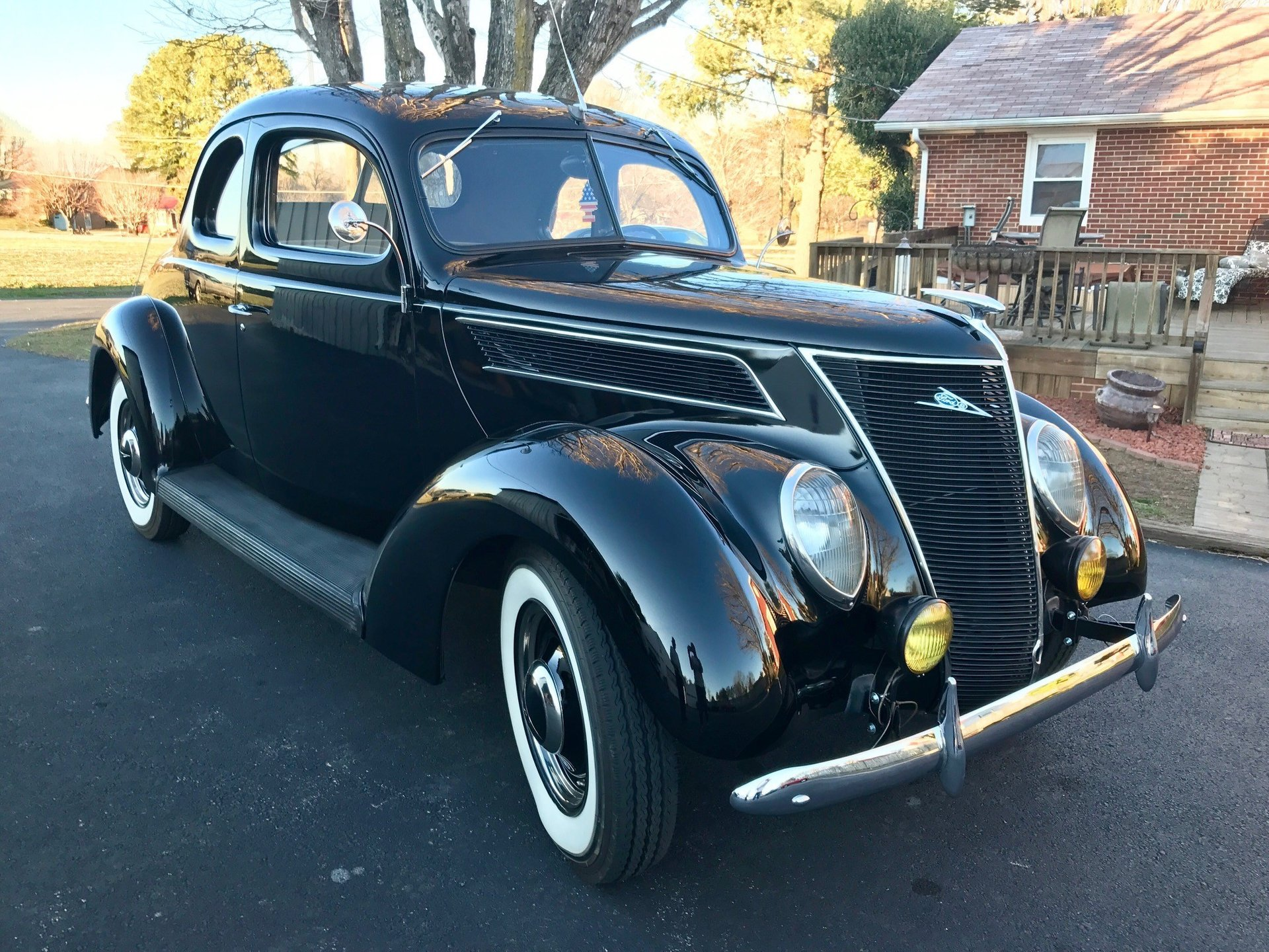 1937 ford coupe deluxe