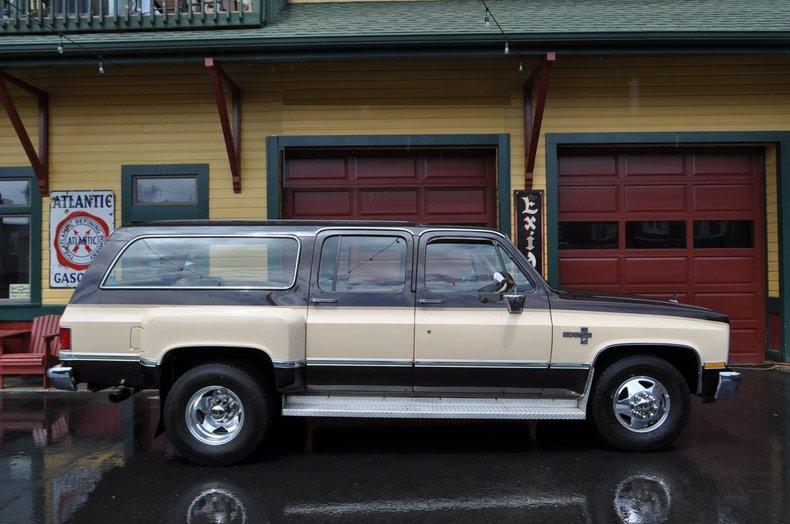 1986 Chevrolet C-10 Suburban