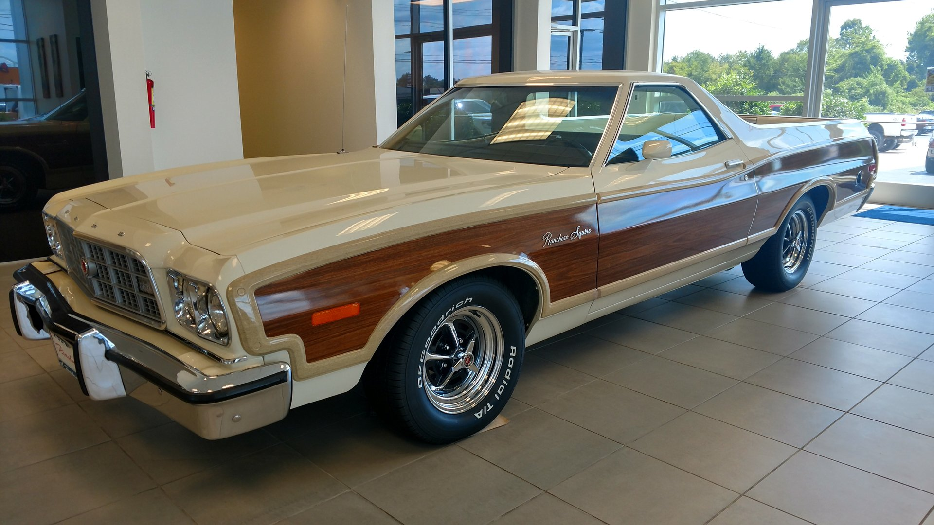 1973 ford ranchero squire
