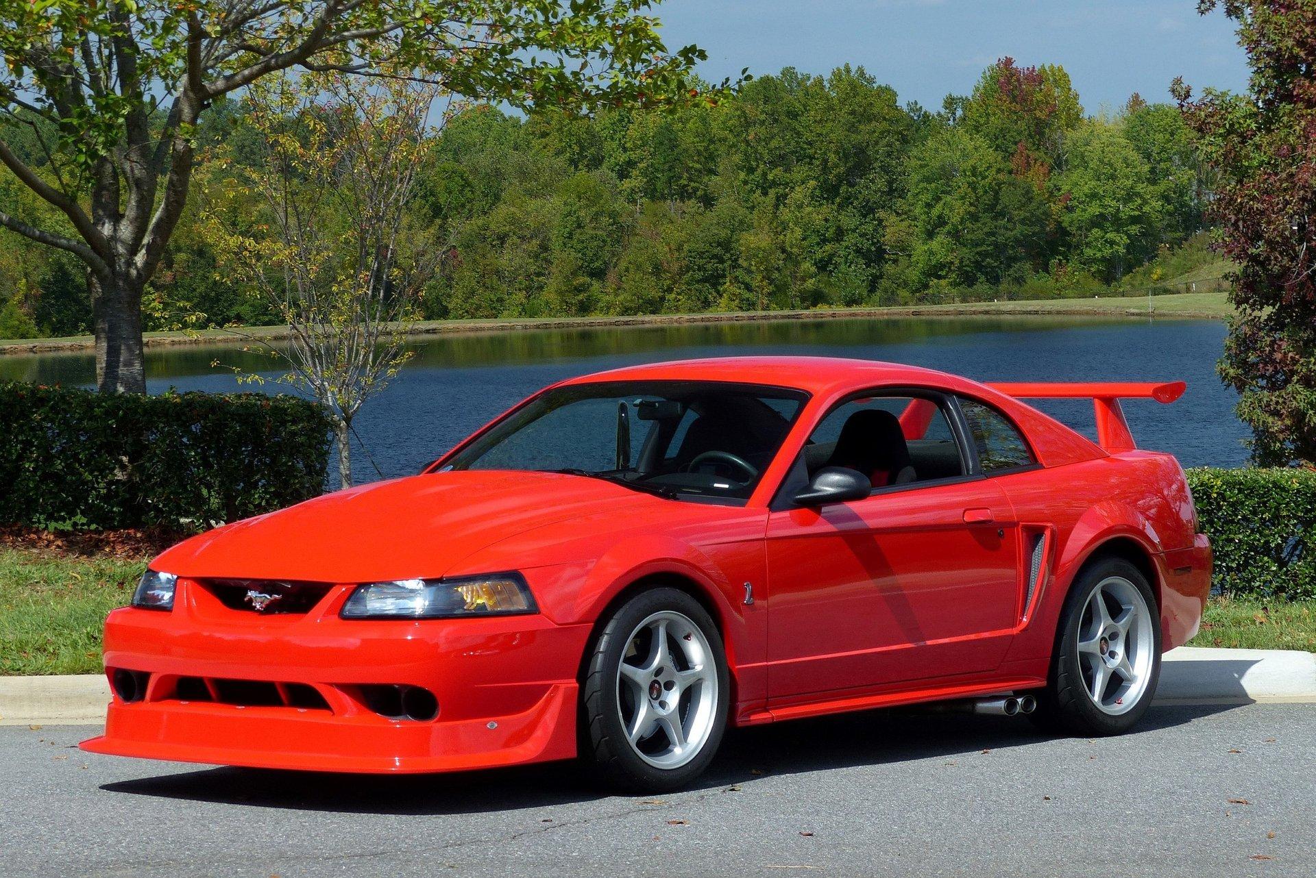 2000-ford-mustang-svt-cobra-r