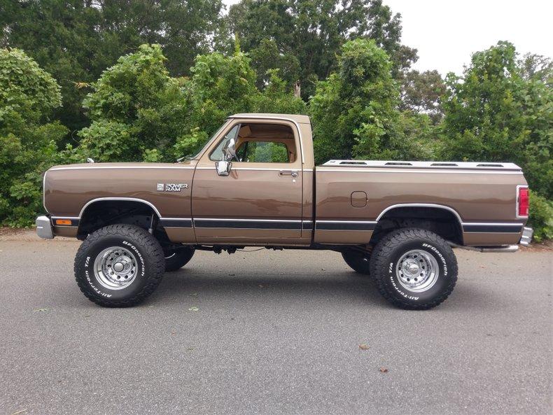 1989 Dodge LE 150