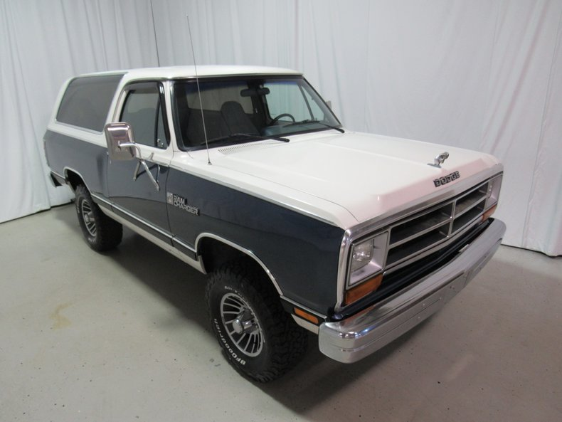 1987 dodge ram charger le
