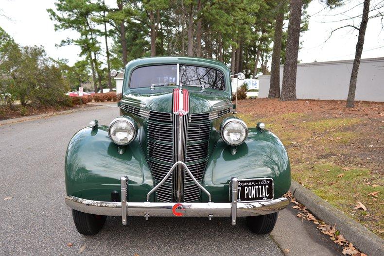 1937 pontiac silverstreak touring sedan
