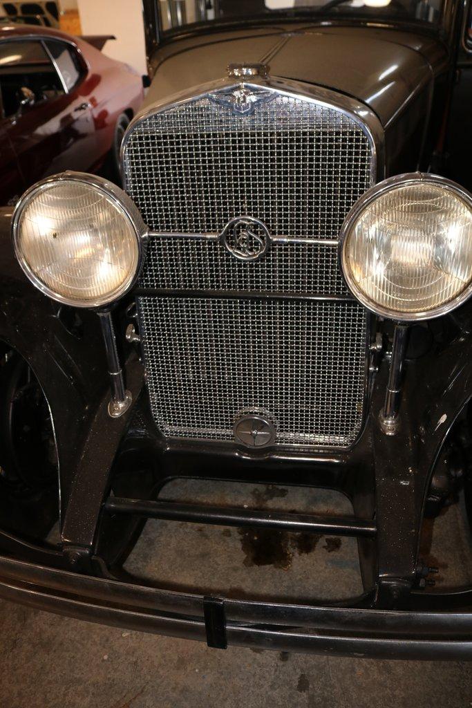 1930 lasalle 340 sedan