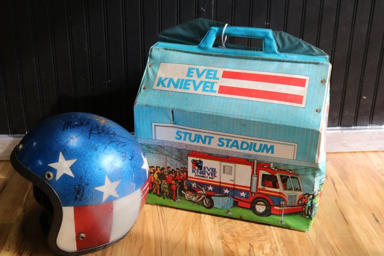 Norwalk Auto Auction >> Evel Knievel Signed Helmet | GAA Classic Cars