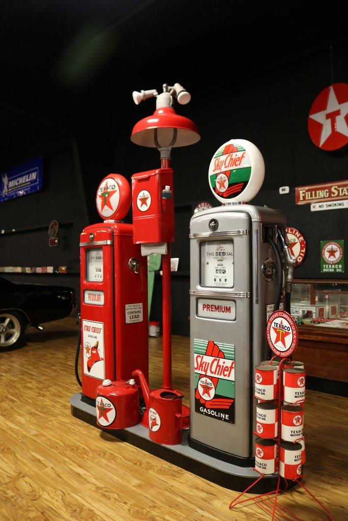 Norwalk Auto Auction >> Texaco Gas Pump Island | GAA Classic Cars