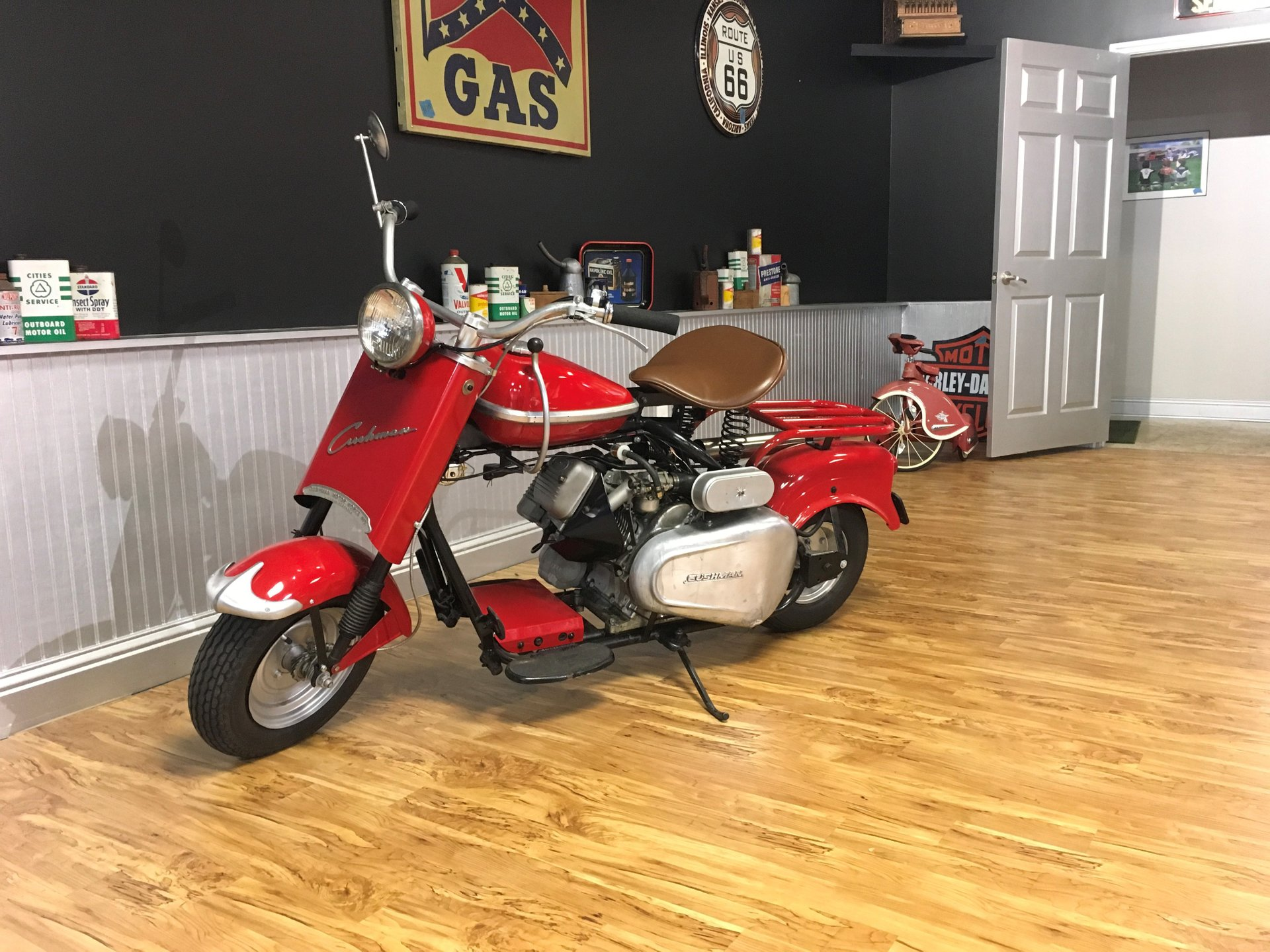 1964 cushman eagle scooter