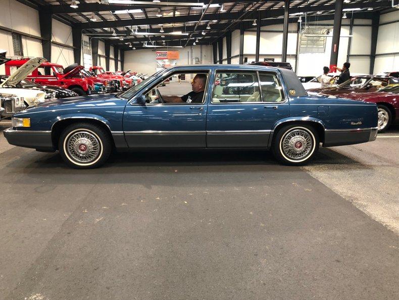 1989 Cadillac Sedan DeVille