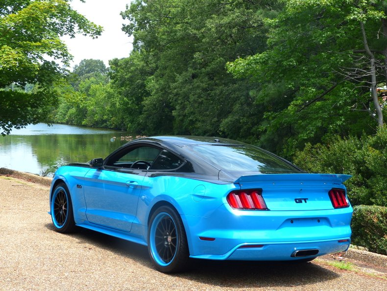 2015 ford mustang gt petty garage edition
