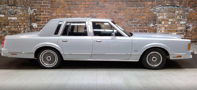 1989 Lincoln Town Car