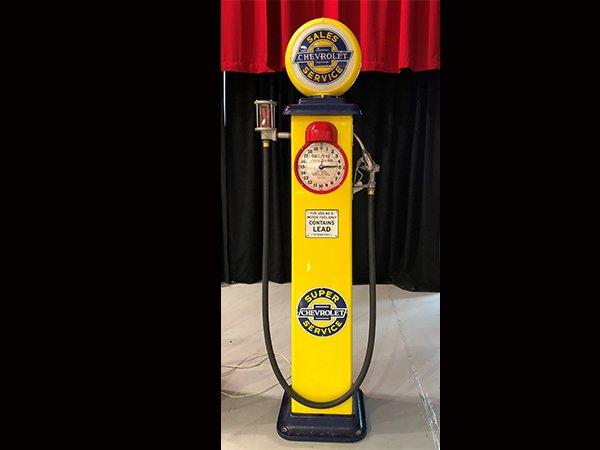 Chevrolet Super Service Gas Pump