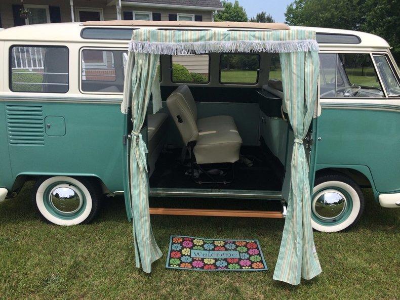 1964 Volkswagen 21 Window Bus 11