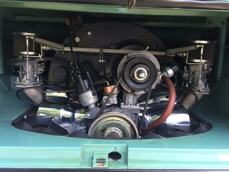 1964 Volkswagen 21 Window Bus 24