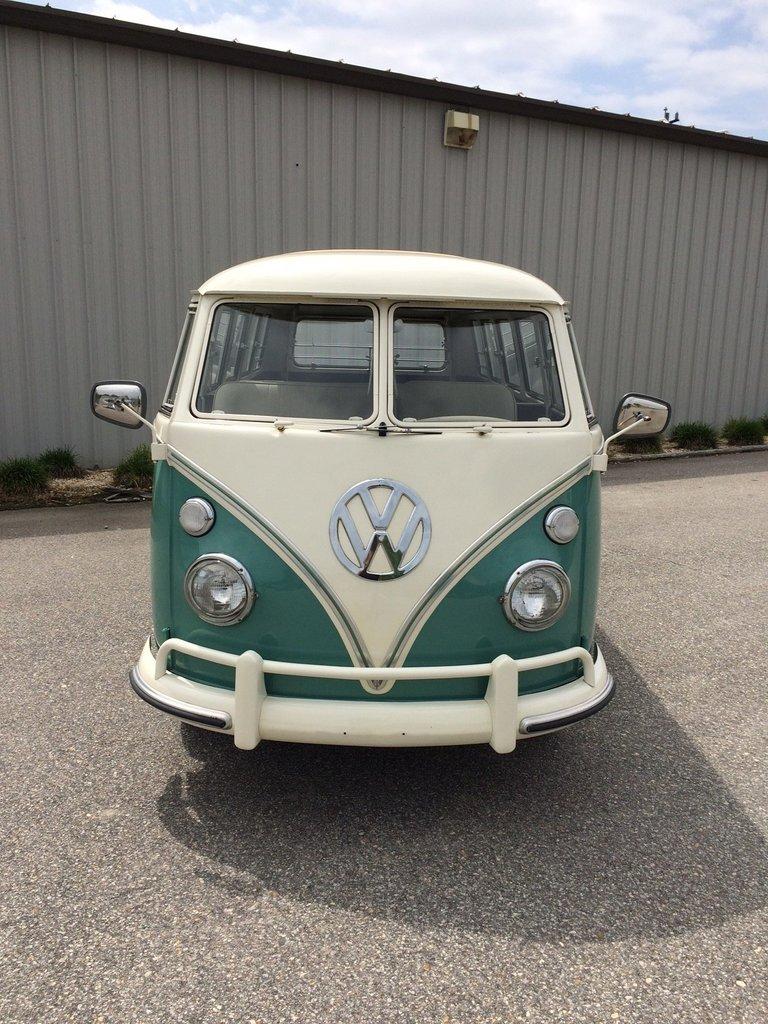 1964 Volkswagen 21 Window Bus 8