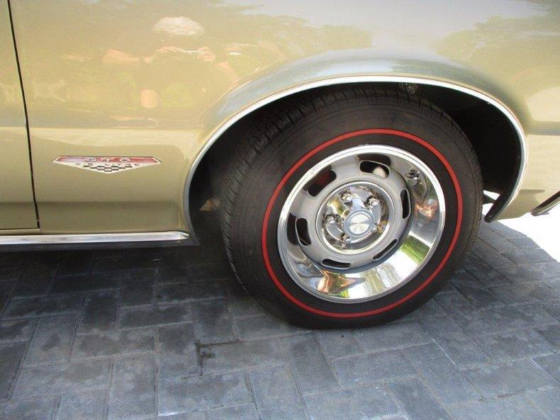 1965 Pontiac GTO 13