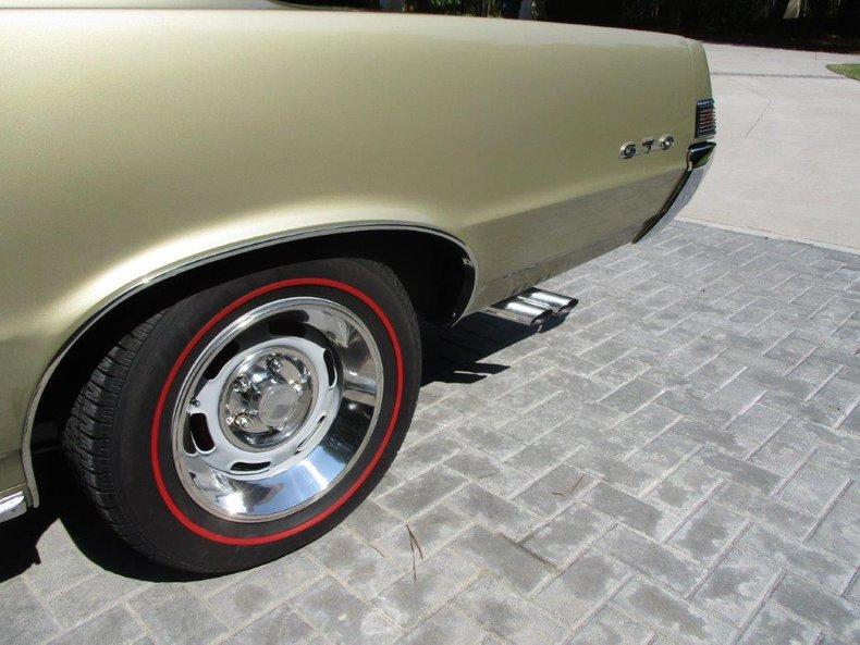 1965 Pontiac GTO 12