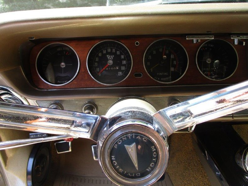 1965 Pontiac GTO 18