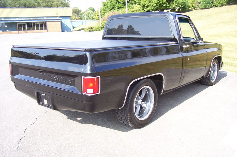 1985 chevrolet c10 custom deluxe