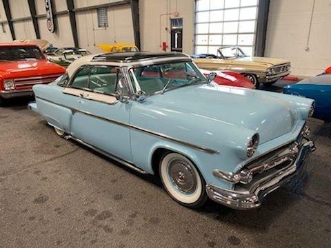 1954 Ford Victoria