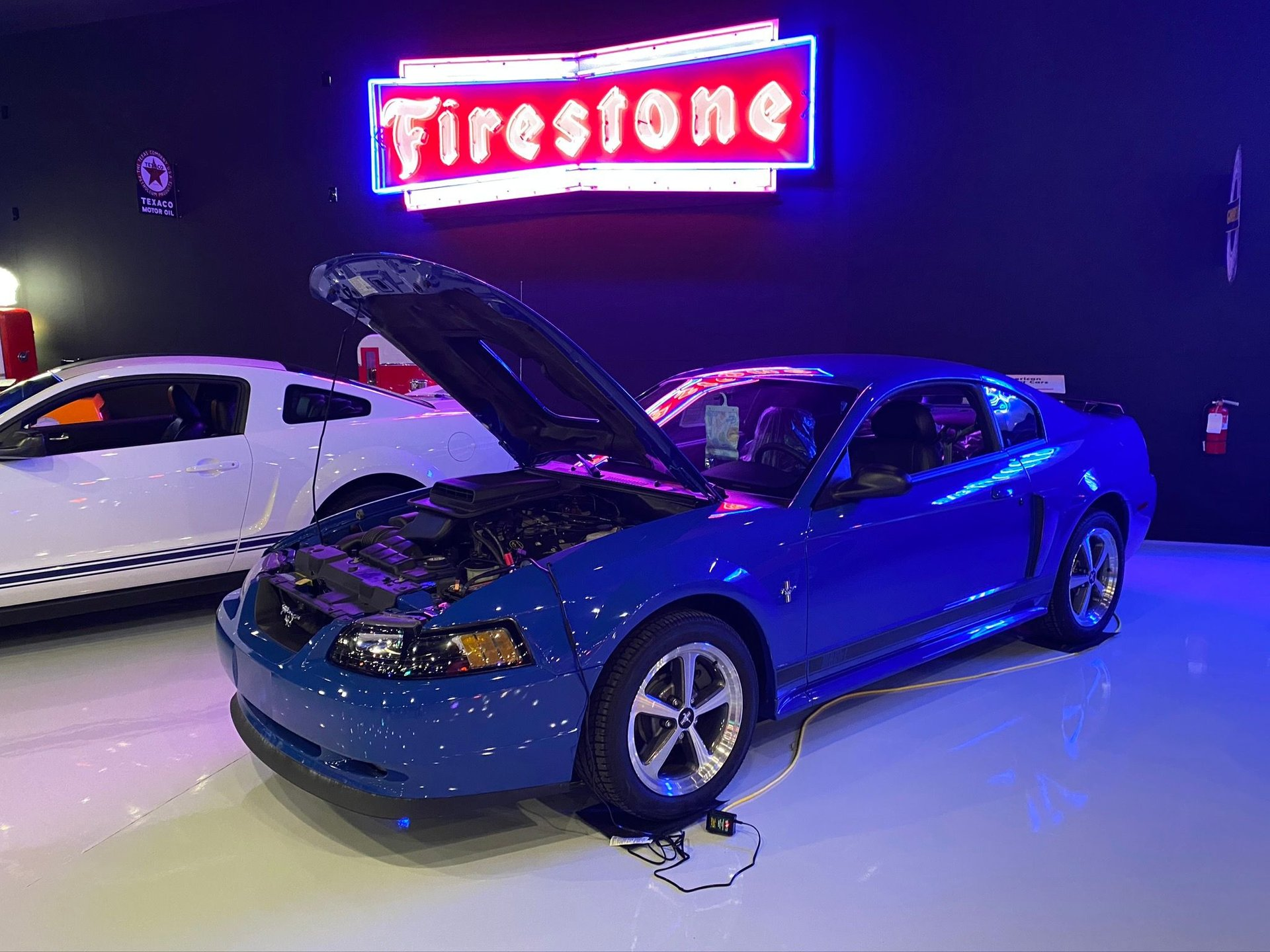 2003 ford mustang mach1
