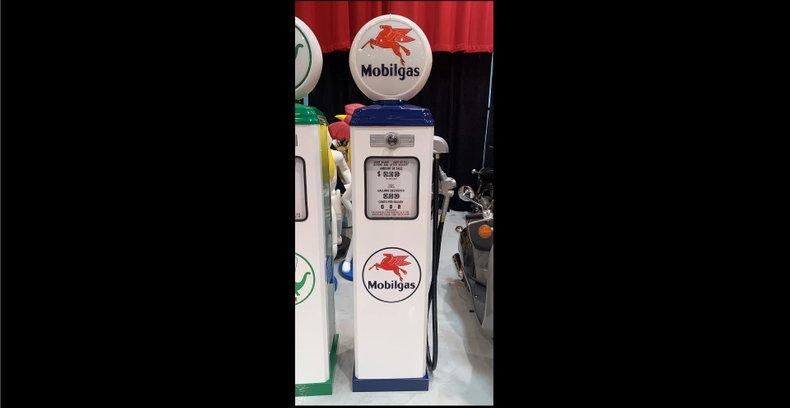 Mobilgas Gas Pump