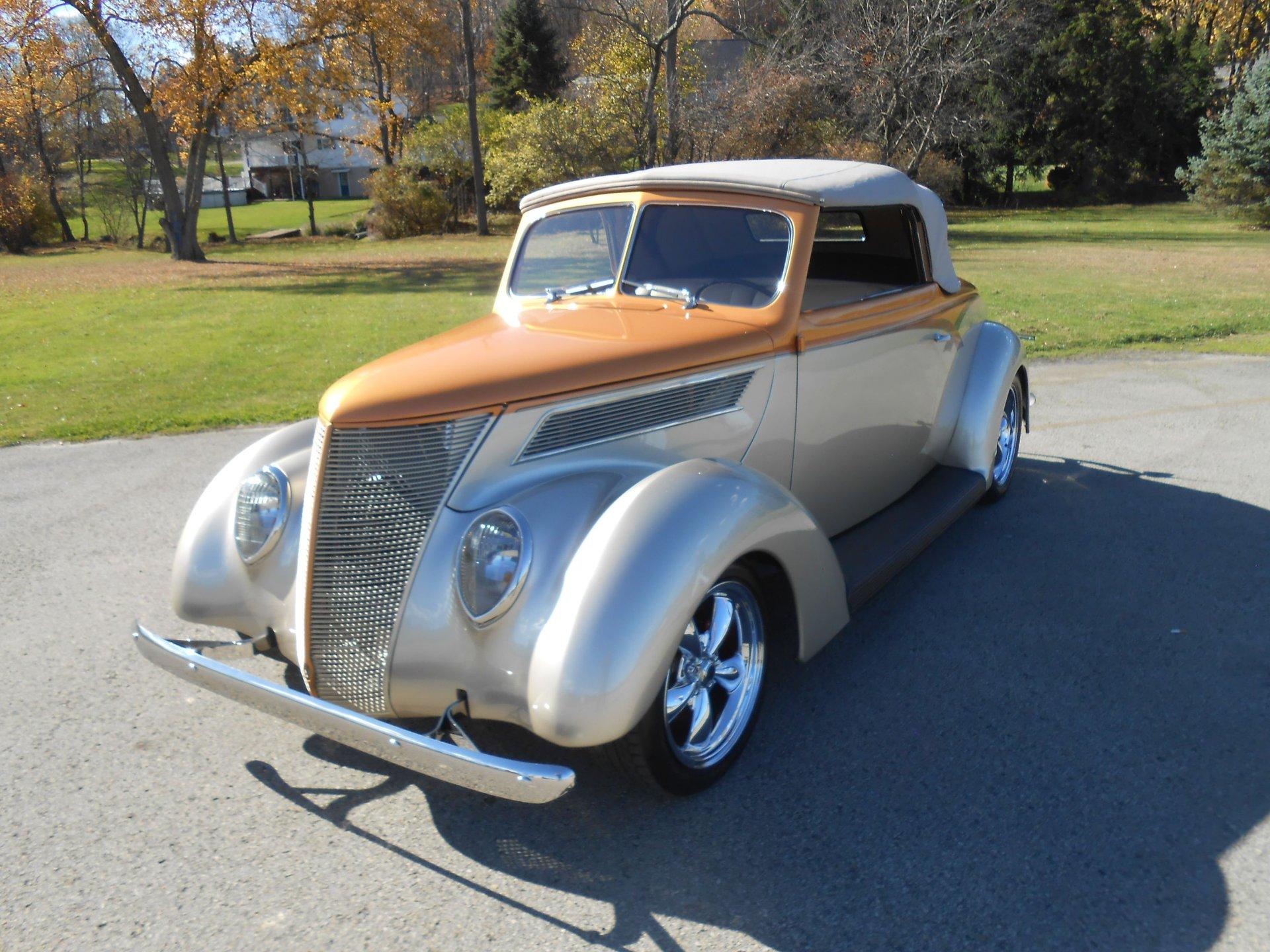 1937 ford custom cabriolet