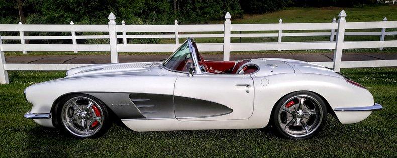 1958 chevrolet corvette resto mod