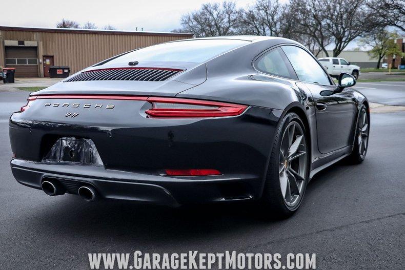2017 Porsche 911 4