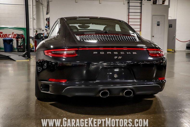 2017 Porsche 911 21
