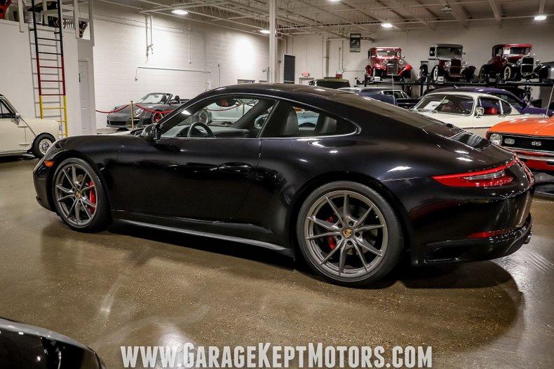2017 Porsche 911 18