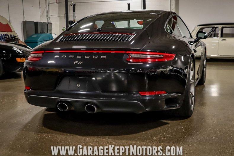 2017 Porsche 911 23