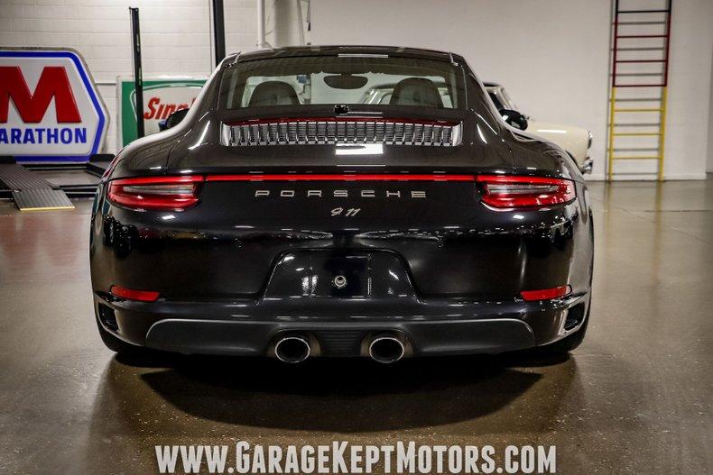 2017 Porsche 911 22