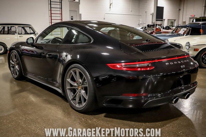 2017 Porsche 911 19
