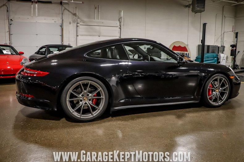 2017 Porsche 911 26