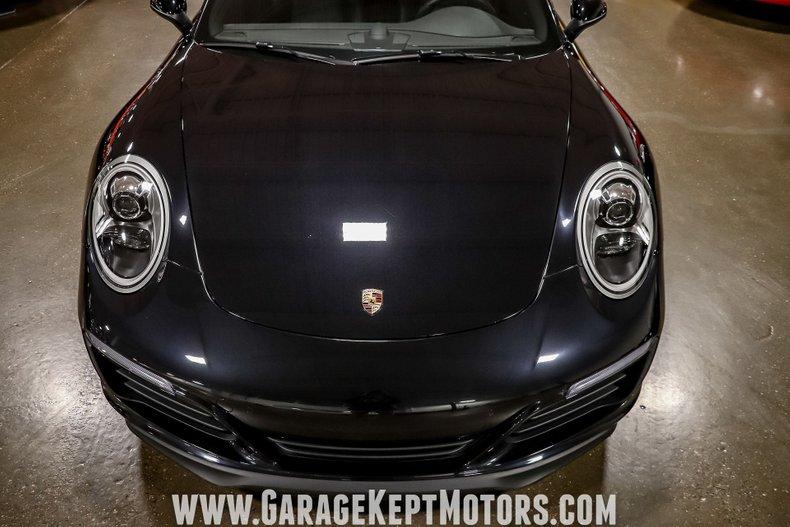 2017 Porsche 911 32