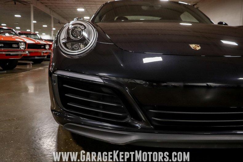 2017 Porsche 911 33