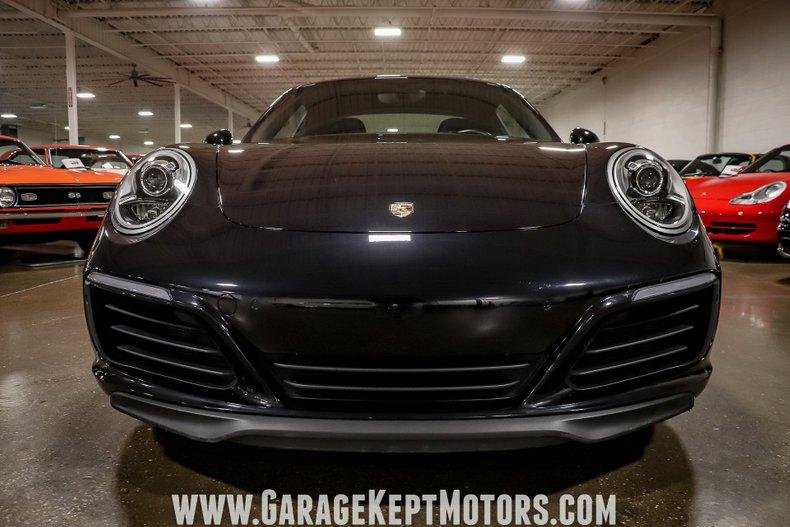 2017 Porsche 911 35