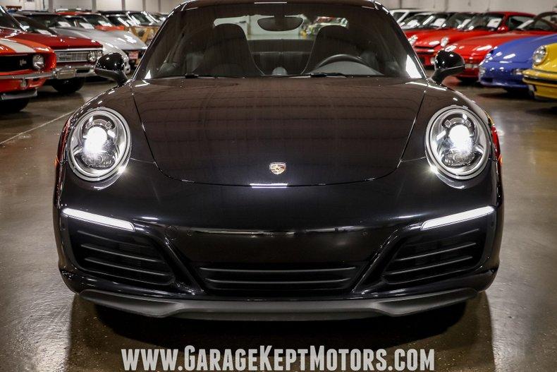 2017 Porsche 911 38