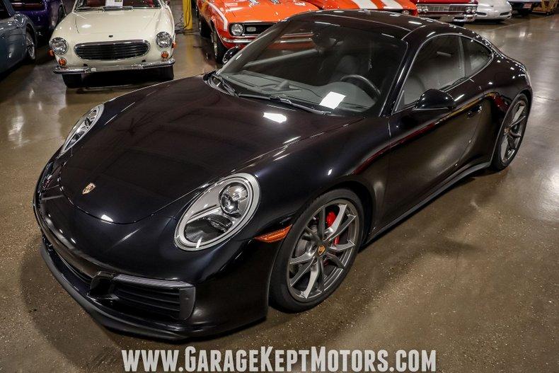 2017 Porsche 911 43