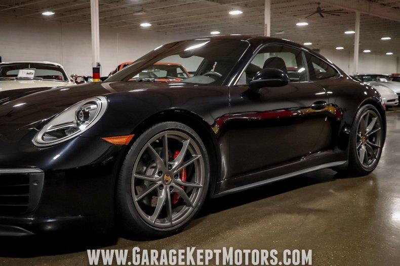 2017 Porsche 911 42