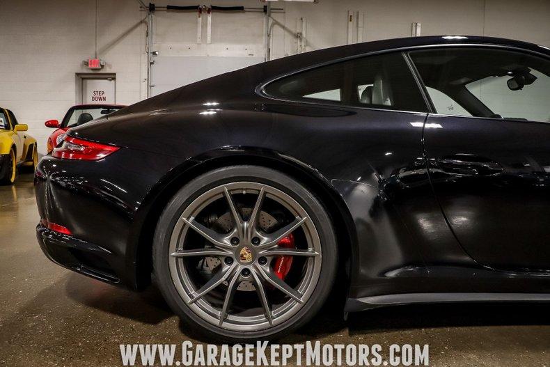 2017 Porsche 911 67